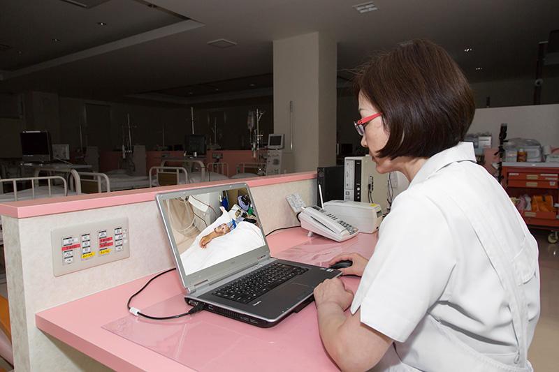 寝ている間も患者様の状態を看護師が常時モニター管理